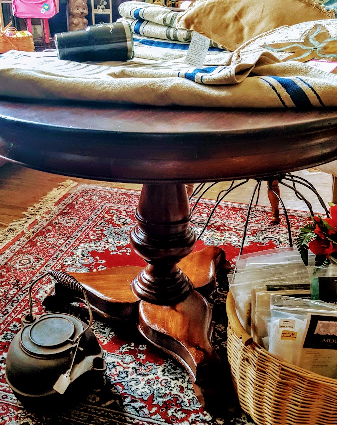 Antique Inch Round Pedestal Table Grumbles House Antiques - 40 inch round pedestal table